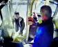 4元车票起争执男子持刀捅向公交司机 七旬爹爹三次制止