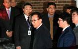 李明博被捕之后:囚号716,房间比朴槿惠的大了3平米