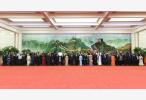 习近平和彭丽媛欢迎出席峰会的外方领导人夫妇