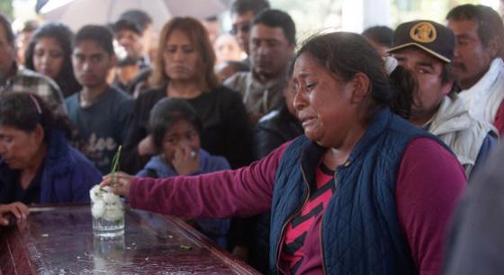 墨西哥爆炸事故遇难者葬礼举行