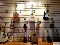 【决战脱贫攻坚 决胜全面小康】贵州正安:吉他成就扶贫大产业