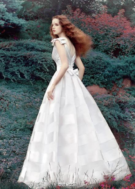 婚纱背后的故事-中国搜索报刊
