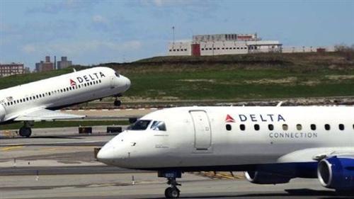 两空姐飞机上打架致航班迫降-中国搜索报刊