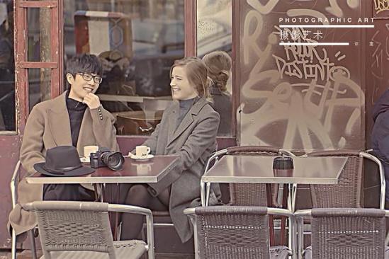 许嵩《摄影艺术》MV发布 浪漫之都献荧幕初吻