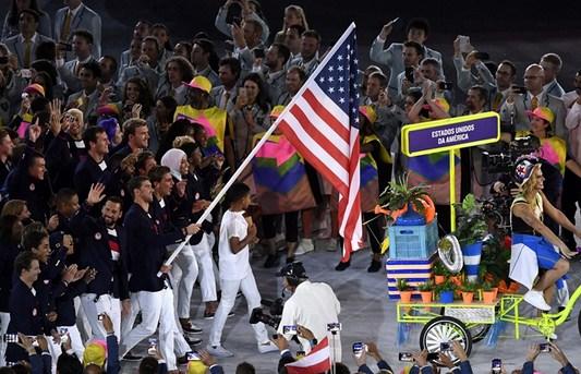 美国代表团入场