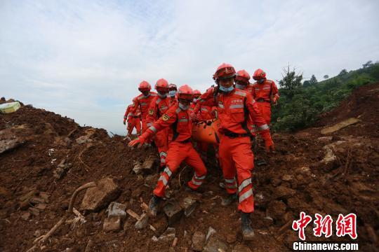 贵州 王飞/核心提示:大方县理化乡山体滑坡搜救工作已结束,善后工作正在...