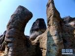 安徽黟县西递现石林景观 岩石层叠连接