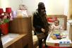 配备稀缺、设施不全、卫生堪忧 母婴室尴尬如何解?