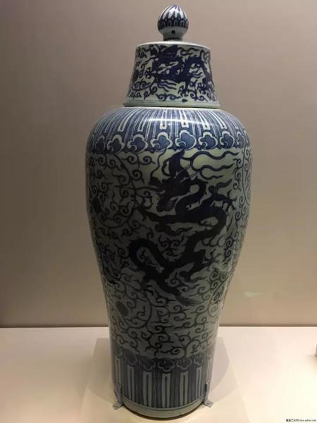 明万历-青花穿花龙纹梅瓶-国家博物馆藏