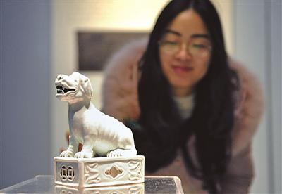 宁波博物馆展示的生肖文物。