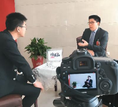 霍启刚:北京等地便利程度超过香港 手机能做很多事