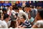 中国上半年就业数据亮眼 城镇调查失业率建立以来最低
