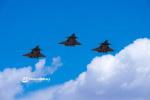 中国空军大批先进战机亮相蓝天 展示大国空军实力