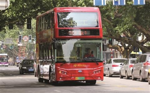 """南京双层巴士开通半年遇""""尴尬"""" ,业内人士建议回归""""日常线"""""""