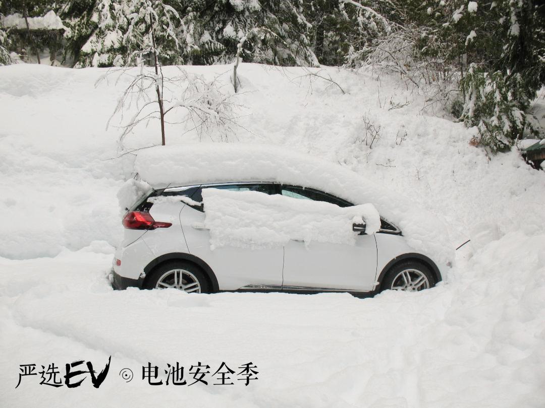 纯电动汽车更怕夏日暴晒?还是冬季低温?