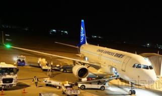 华夏航空保障23万只口罩运输助渝抗疫