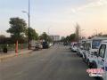 """漯河城管对""""网红""""桥占道经营进行综合治理"""