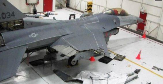 还于1982年被美国雷鸟飞行表演队选为表演用机