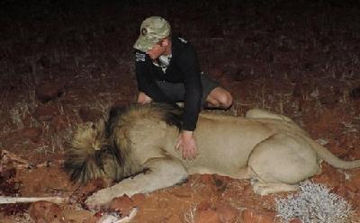 事打击偷猎和保护野生动物