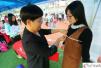 广州招聘会女生应聘模特 现场被量三围