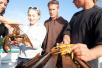 小众出境游升温 去加拿大最小的省钓龙虾