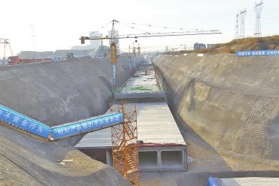 河南首条地下三层综合环廊正在建设中