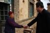 (图)区农业局携手济南晋康食 品有限公司走访慰问贫困村