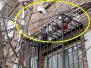 楼上住户向楼下随手扔垃圾:提高素质很重要(图)