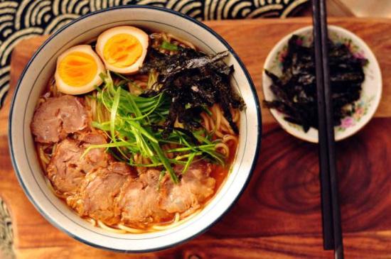 日本拉面_推荐餐厅:肥前屋,鳗料理京都屋,浜松屋 基本上,日本有名的日式拉面