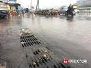 北京接近晚高峰时段降雨 瞬时雨势较大