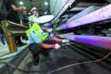 北京实施更加严格货车通行政策 交警劝返超标大货262辆