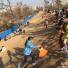 郑州千年古城墙成滑草场 管理方拉上警戒线