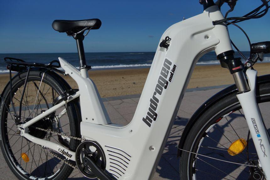水做燃料的电动自行车