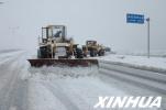 唐山:雪后启动除雪铲冰应急预案 抛撒480吨融雪剂