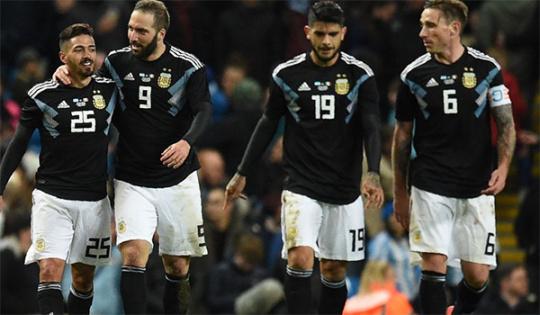 国际足联热身赛:意大利0:2负于阿根廷