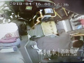 """乘客突发癫痫倒地 公交车内上演""""全民救援"""""""