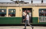 印度再爆食品安全丑闻:火车厕所用水变茶饮品售卖