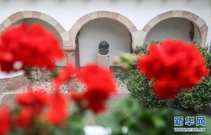 """中国记者探访马克思故居纪念馆 """"千年伟人""""仿佛""""仍然活着""""!"""