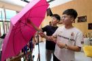 ?宁波在读大学生一边读书一边开网店卖伞 年赚30余万