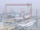 """大连见证历史性一刻:中国双航母完成""""同框""""(图)"""