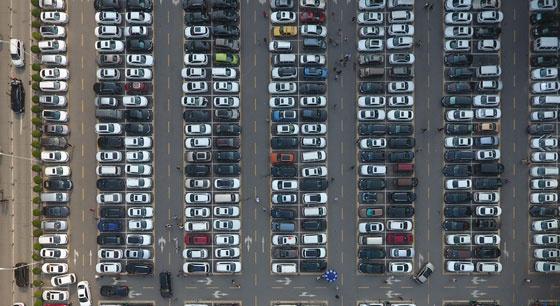 """这是""""全球最大医院""""的停车场"""