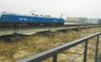 洪水围攻涪江铁路桥,两列4千吨重车压梁6小时抗洪峰保大桥