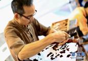 首屆鹤壁(鹿台)民间工艺美术精品展销会开展
