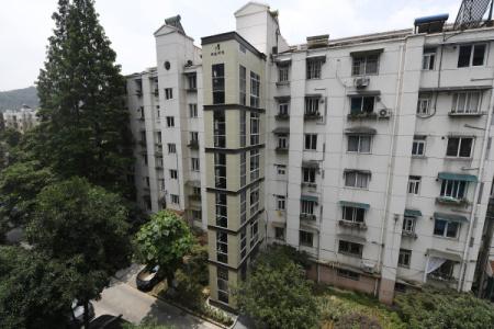 杭州新规:老旧住宅每加装一台电梯 奖励社区8000元