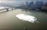 钱塘江杭州段出现神秘漩涡:初步排除水体污染,已取样检测