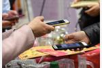"""你的""""钱袋子""""安全吗?16家银行手机APP测评结果出来了!"""
