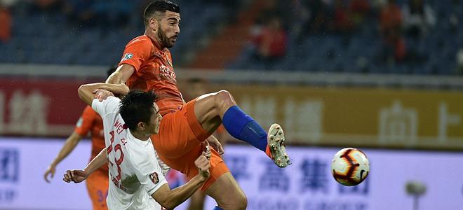 中超联赛:山东鲁能泰山队主场战胜上海上港队