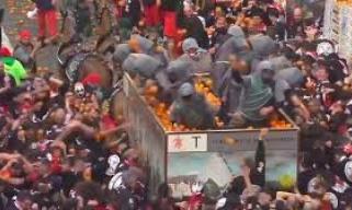 高达上万人聚集还不戴口罩!这些人心真大……
