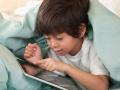 用手机和ipad看动画片不撒手 9岁男孩玻璃体混浊