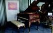 到青岛钢琴艺术博物馆欣赏艺术 慈禧油画钢琴已137岁